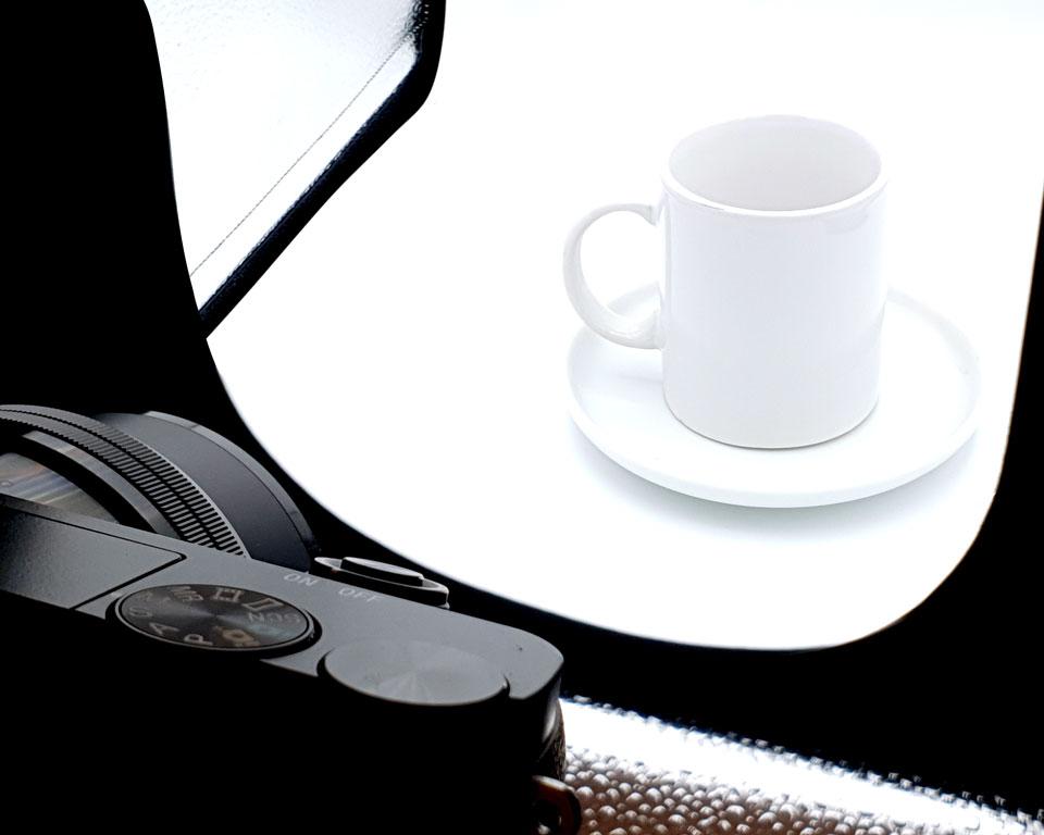 Kamera zeigt auf Produkt